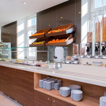 Johanniter Gästehaus - Müsli und frische Obst