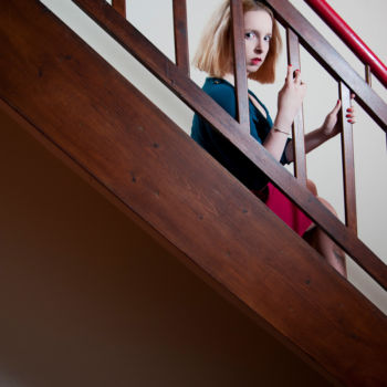 Mädchen auf den Stufen